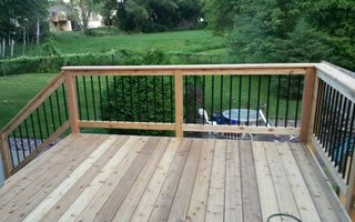 Custom Deck Builder Using Wood and Composite Materials